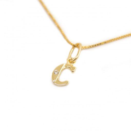 Arany C-betűs medál (Au586038)